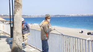 Konyaaltı Sahilinde sezona hazırlık çalışmaları başladı