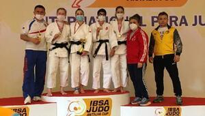 Trakya Üniversitesi'nin milli sporcuları, Antalya'dan madalyayla döndü
