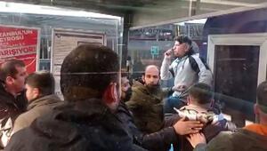Lalelide tramvay durağında gergin anlar