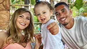 Chris Smallinge silahlı hırsız saldırısı Eşi ve çocuğu evdeyken...