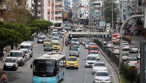 58 saatlik kısıtlama trafiği kilitledi