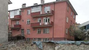 Ankarada bir binada çökme tehlikesi Tahliye edildi