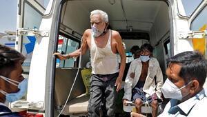 Hindistanda Kovid-19 salgınında günlük vaka sayısı 273 bini aştı