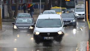 Edirnede sağanak yağış etkili oldu
