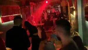 Beyoğlunda kısıtlamada gece kulübüne çevrilen lokantaya polis baskını