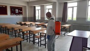 Okullar aralıksız dezenfekte ediliyor