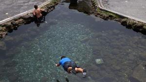 Diyarbakırda sıcaklık 26 dereceyi gördü, çocuklar Anzele suyunda serinledi