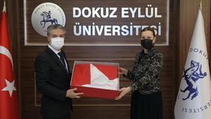 Anıtkabirde dalgalanan Türk bayrağı da o müzede sergilenecek
