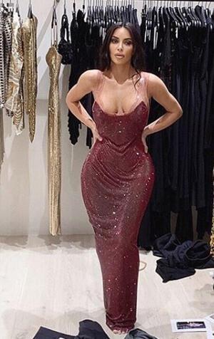 Elbiseye zor sığdı