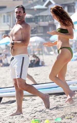 Dizi oyuncusu sevgililerin plaj kaçamağı