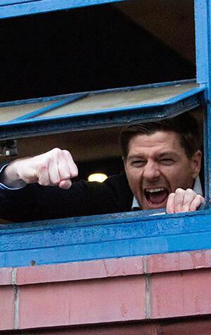 Tarih bunu da yazdı, Gerrard halk kahramanı oldu