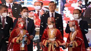 Milli Eğitim Bakanı toplu açılış yaptı
