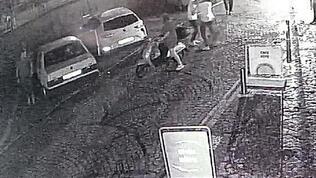 Yoldan geçerken kavgada ateşlenen silahla yaralandı!