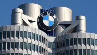 BMW'de üretim durdu, satışlar arttı!