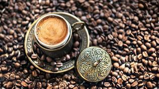 Bol köpüklü bir Türk kahvesi gibisi var mı?