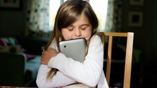 Eğitime 10 bin tablet desteği