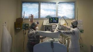 ABD'de koronavirüsten ölenlerin sayısı 735 bin 378'e çıktı