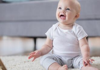 9 Aylık bebek gelişimi: 9 aylık bebeğin beslenmesi, uyku düzeni nasıl, kilosu ve boyu kaç olmalı?
