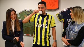 İrfan Can Kahveci'nin Fenerbahçe'ye imza attığı o an! Fotoğraflar...