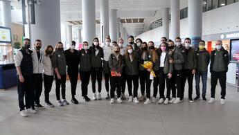 CEV Şampiyonlar Ligi'nde ikinci olan VakıfBank, yurda döndü