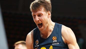 Son Dakika: Jan Vesely'nin menajeri Misko Raznatovic'ten transfer açıklaması! Olimpia Milano iddiaları...