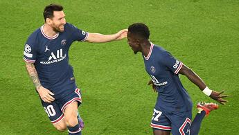 Messinin siftah yaptığı maçta PSG, Manchester Cityyi devirdi