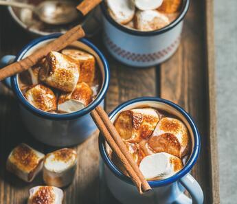 Onsuz Kış Olmaz: Marshmallowlu Sıcak Çikolata