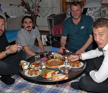 Ahmet Ağaoğlu'ndan Abdülkadir Ömür'e ziyaret!