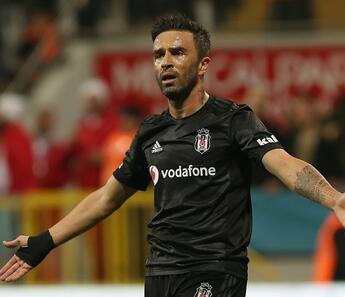 Beşiktaş'ta Gökhan Gönül ile yola devam