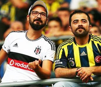 """Fenerbahçeli taraftarlar """"Beşiktaş kazanır"""" diyor! Dev maçın heyecanını misliyle yaşa..."""
