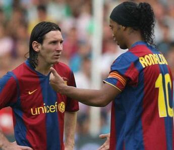 Lionel Messi'den Ronaldinho'nun kefalet parasını ödediği iddialarına yalanlama geldi!