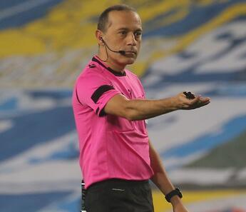 Son Dakika   Fenerbahçe Trabzonspor maçını yöneten Cüneyt Çakır'a Şampiyonlar Ligi'nde görev!