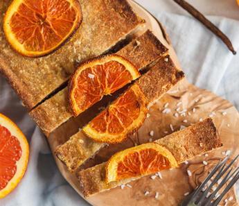 Formda Kalmak İsteyenlere: Şekersiz Portakallı Kek