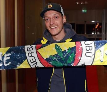 Son Dakika   Fenerbahçe Başkanı Ali Koç, Mesut Özil'in ne zaman oynayabileceğini açıkladı!