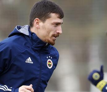 Mert Hakan Yandaş'ın Fenerbahçe performansı geçen sezonun gerisinde