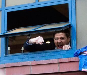Tecrübesi yoktu, tarih yazdı! Gerrard'ın başarısı...