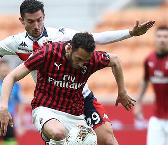 Milan'dan Hakan Çalhanoğlu için flaş sözleşme açıklaması! 'Kulüp üzerine düşeni yaptı'