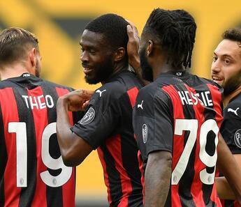 İtalya Serie A: Milan 2-1 Genoa (Hakan Çalhanoğlu 88 dakika oynadı)