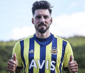 Fenerbahçe Jose Sosa liderliğinde kaybetmiyor