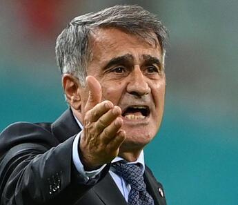 Güneş'ten İsviçre maçı sonrası istifa sorusuna flaş yanıt!