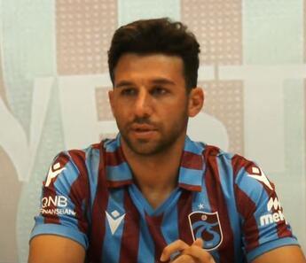 Son dakika: Trabzonspor'un yeni transferi İsmail Köybaşı imzayı attı! 'En verimli dönemimdeyim...'