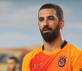 Galatasaray'dan Arda Turan ve Boey'in son durumuyla ilgili bilgilendirme