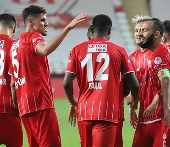 Antalyaspor, Türkiye Kupası'nda Diyarbekirspor'u farklı geçti: 5-0