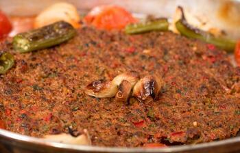 Kilis Tava nasıl yapılır? Tepsi Kebabı tarifi
