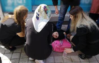 Bursa'da yürekleri ağza getiren kaza! Otomobil hamile kadına çarptı