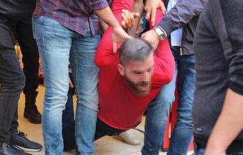 İstanbul'da şoke eden olay! Marketin tuvaletinden böyle çıkarıldı...