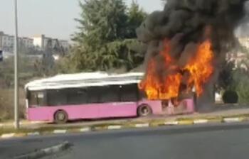 Düzce'de halk otobüsü alev alev yandı