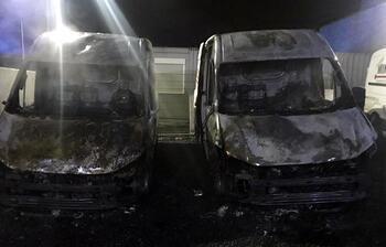 Aachen'da bir Türk'e ait iki araç kundaklandı