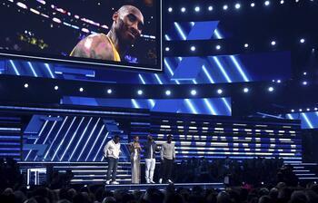 Grammy 2020 Kazananları Belli Oldu! İşte Ödül Gecesi Yaşananlar...