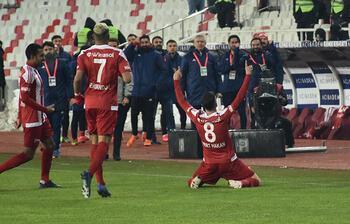 Son Dakika | Mert Hakan Yandaş'ın hareketi olay oldu! Sivasspor-Alanyaspor maçında...